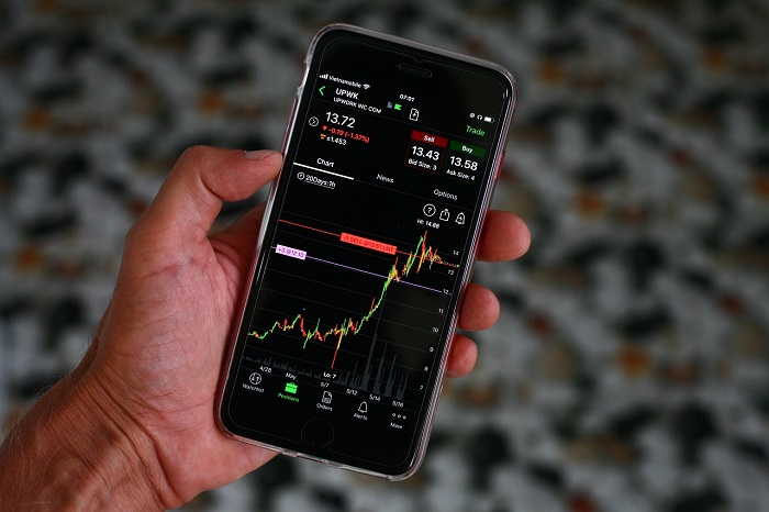 financial informations about money and capital markets, stocks, shares, bonds, indexes, investment funds, forex, cryptocurrencies, bitcoin, interest rates, commodities, oil, petrol, fuel, gold, silver, ZSE, LJSE, BSE, BLSE, SASE, MNSE, MSE, technical analysis, fundamental analysis, HT, RIVP, ADRS, ERNT, ZB, MAIS, ZABA, PBZ, KRKA, Alkaloid